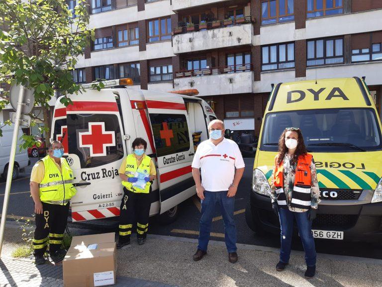 Protección civil reparte 282.000 mascarillas higiénicas en los principales puntos de transporte público colectivo de Euskadi