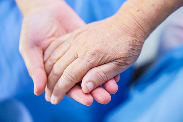 La Diputación de Bizkaia ofrece indicaciones y apoyo para organizar las visitas en residencias de personas mayores