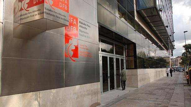 La campaña de Renta comienza en Bizkaia con la devolución de 215 millones de euros a 230.000 contribuyentes
