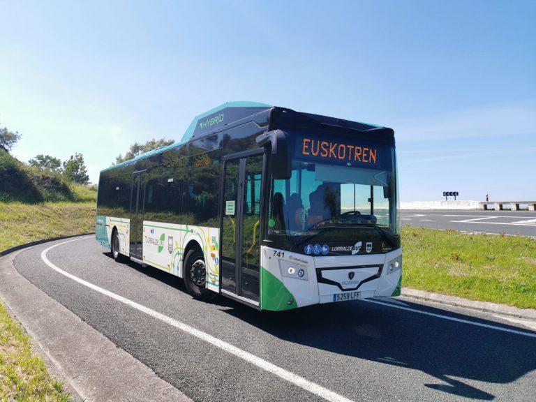 Euskotrenek Gipuzkoako zerbitzuan 6 autobus hibrido gehituko ditu