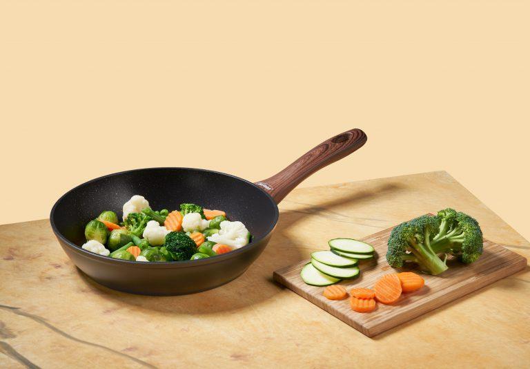 Inoxibar crea un Kit de supervivencia en la cocina para novatos